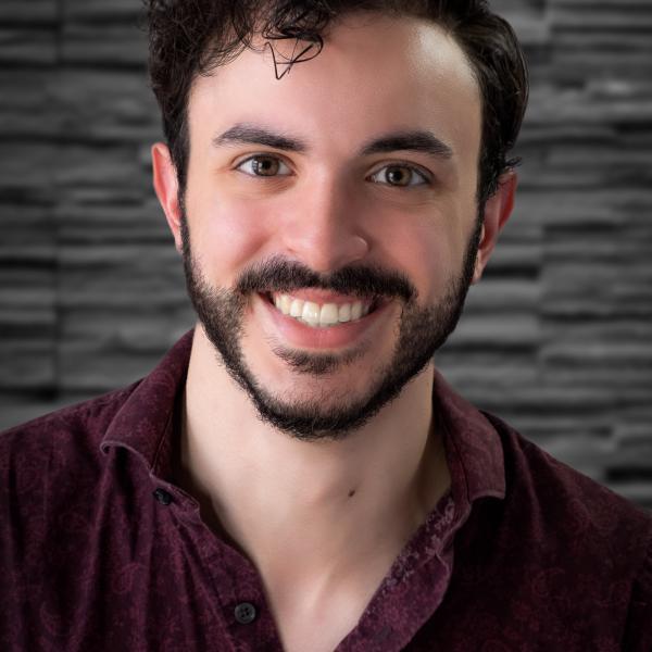 Headshot of Robert